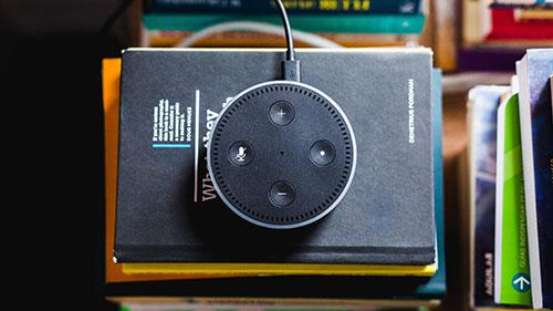 Micrófono asistente virtual