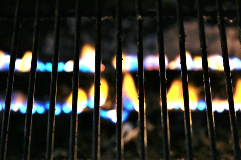 Cómo se limpia el grill - Calentar la parilla