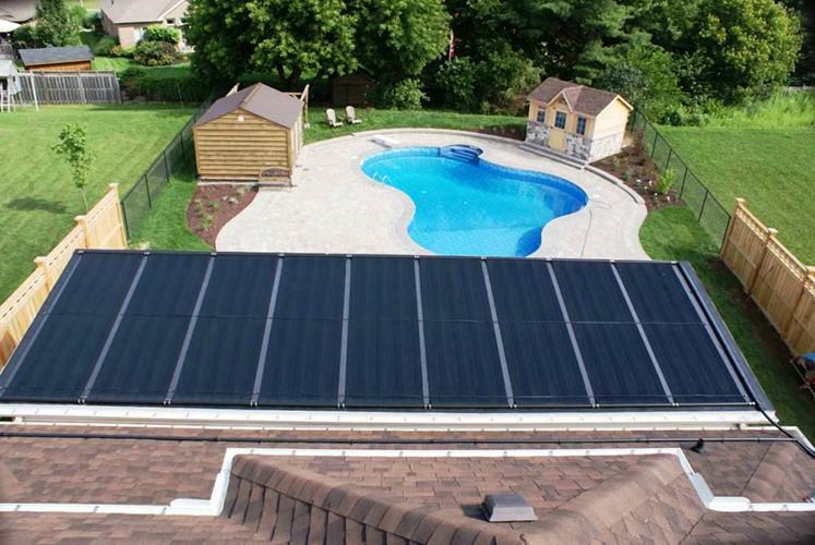mantenimiento de una piscina con energía solar