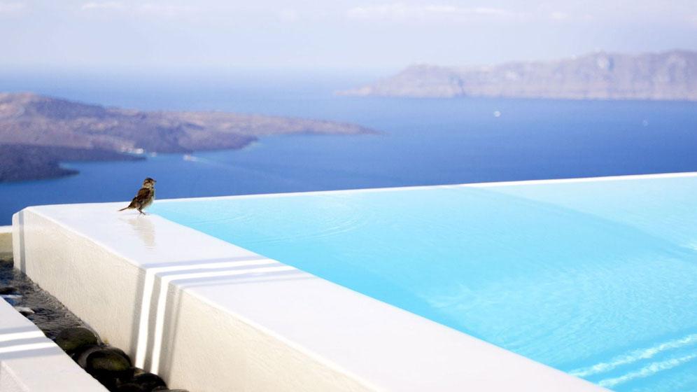 El microcemento se puede aplicar a piscinas y exteriores
