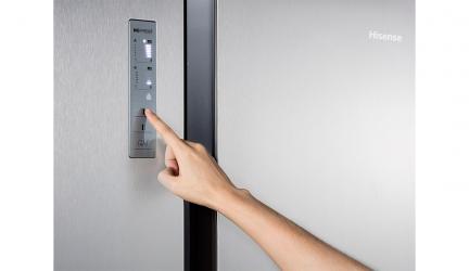Hisense RS670N4HC2, un frigorífico puerta con puerta a buen precio