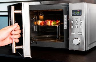 ¿Es realmente útil el grill del microondas? ¿Sustituye al horno?