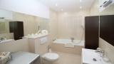 Cómo limpiar el moho del baño y dejar las juntas como el primer día